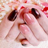 #ワンカラー #シンプル #黒#赤紫 #ミラーネイル #nailbeare #ネイルブック