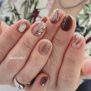 ... かっこいい!! #人魚の鱗ネイル  #ミラーネイル  #ニュアンスネイル ... #nail #nails #naildesign #nailart #nailstagram #nailsofinstagram #luscious #flowersnails #frenchnails #ジェルネイル #ジェルネイルデザイン #フラワーネイル #夏ネイル #ワンカラーネイル #夏 #ハンド #人魚の鱗 #ショート #ホワイト #ボルドー #ブラウン #ジェル #お客様 #higu125 #ネイルブック