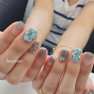 ... #3dネイル  #陶器ネイル ... #nail #nails #naildesign #nailart #nailstagram #nailsofinstagram #luscious #flowersnails #frenchnails #ジェルネイル #ジェルネイルデザイン #フラワーネイル #夏ネイル #ワンカラーネイル #夏 #ハンド #フラワー #3D #ミディアム #ターコイズ #メタリック #ジェル #お客様 #higu125 #ネイルブック