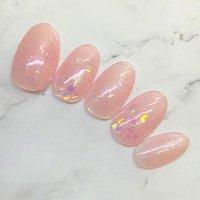 #シアーカラー の#ピンクネイル 。#ピンク は#オールシーズン楽しめる 、人気のカラーですね!いつものピンクに#ホログラム や#細かいラメ をプラスして、夏の感じを出してみるのはいかがですか?#シースルーネイル はこの夏人気です!マットもキラキラも上品もシースルーも、やっぱピンクは可愛いです! #オールシーズン #オフィス #デート #女子会 #ハンド #シンプル #ワンカラー #ホログラム #ラメ #ミディアム #ピンク #ジェル #ネイルチップ #Hiroko Yamamoto #ネイルブック