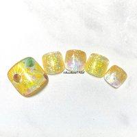 フットにゅーサンプル♡ シースルーイエロー×ひまわり♡ . こちらもブルーのお花のデザインが可愛くて 色違いのひまわりバージョンで♡ 涼しげなサマーフット♡ . #nails #naildesign #nailart #sunflower #painting #footnail #summer #art #flower #chaehwanail #ネイル#ネイルデザイン #フラワー #イエロー #お花 #手書き #フットネイル #ひまわり #カラー #ジェルネイル #川崎ネイルサロン #川崎 #神奈川 #네일#네일아트#네일스타그램 #젤네일 #해바라기 #꽃 #美甲 . ご予約は↓からお願いします! *ネイルブックネット予約(プロフィールのURLから予約可能!) . お問い合わせは↓からお願いします! *LINE@ : @chaehwa_nail(@から検索) *Instagram DM : @chaehwa_nail . ご連絡お待ちしております(*´꒳`*)♪ Chaehwa*Nail #夏 #旅行 #リゾート #デート #フット #ホログラム #ラメ #グラデーション #フラワー #シースルー #ミディアム #ホワイト #クリア #イエロー #chaehwa_8127 #ネイルブック