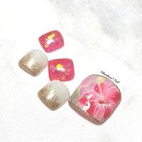 フットにゅーサンプル♡ シースルーレッド×ハイビスカス♡ . ブルーのお花のデザインが可愛くて色違いで♪ ハイビスカス好きだなぁ〜 . #nails #naildesign #nailart #hibiscus #painting #footnail #summer #art #flower #chaehwanail #ネイル#ネイルデザイン #フラワー #レッド #お花 #手書き #フットネイル #ハイビスカス #カラー #ジェルネイル #川崎ネイルサロン #川崎 #ゴールド #네일#네일아트#네일스타그램 #젤네일 #여름 #꽃 #美甲 . ご予約は↓からお願いします! *ネイルブックネット予約(プロフィールのURLから予約可能!) . お問い合わせは↓からお願いします! *LINE@ : @chaehwa_nail(@から検索) *Instagram DM : @chaehwa_nail . ご連絡お待ちしております(*´꒳`*)♪ Chaehwa*Nail #夏 #旅行 #リゾート #デート #フット #ホログラム #ラメ #グラデーション #フラワー #シースルー #ミディアム #ホワイト #レッド #ゴールド #ジェル #ネイルチップ #chaehwa_8127 #ネイルブック