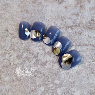 #メタリックプレート sanzouせんせのアートのアレンジver. #メタリック #ブルー #扇松屋 Marie #ネイルブック