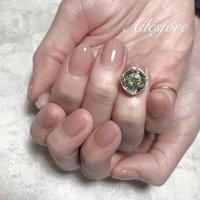ヌーディーベージュに一粒のせ❤️ 自粛明けネイルで楽しみにしてて下さったのでキラキラスワロはテンション上がりますよね😍 * 本厚木ネイルサロン Ailesjoreエルジョワ *  #nails #Japannail #springnails #nailartist #nailstagram #naildesign #gelnails #젤네일 #네일 #美甲 #凝膠指甲 #日式美甲 #本厚木 #本厚木ネイルサロン #町田 #渋沢 #エルジョワ #夏ネイル2020 #大人ネイル #おしゃれネイル #ネイルアート #ネイリスト #ジェルネイル #💅🏼 #シンプルネイル #夏ネイル #かわいいネイル #ビジューネイル #ヌーディーネイル #スワロフスキーネイル #春 #夏 #オールシーズン #オフィス #ハンド #シンプル #ワンカラー #ビジュー #ベージュ #ジェル #お客様 #nailist_tsubasa #ネイルブック