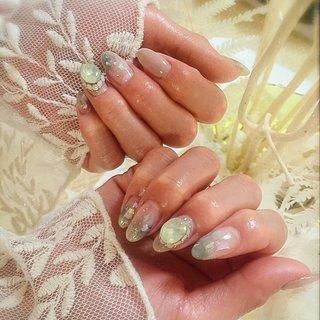 . . Shell & Juwerista... . . ピスタチオカラーのニュアンスがトレンド感🤩 . sheer greenのジュエリーデザインで高級感も贅沢にプラス‼️ . . #luxurynailvoila #jelnail #nail #naildesign #nailart #nuance #shellnail #japannails #summernails #swarovski💎 #bijounail #夏ネイル #ニュアンスネイル #シェルネイル #ネイル #ジェルネイル #ビジューネイル #大人ネイル #ピスタチオカラー #モスグリーンネイル #キラキラネイル #ネイルアート #小岩ネイル #小岩ネイルサロン #Nailist maki #ネイルブック