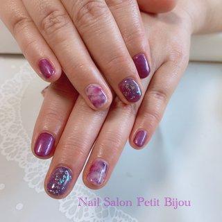 紫系ニュアンスネイルです。  二色の紫を使った綺麗な夏ネイル💅 #夏 #オールシーズン #リゾート #オフィス #ハンド #シンプル #ワンカラー #タイダイ #パープル #ジェル #お客様 #Petit Bijou #ネイルブック