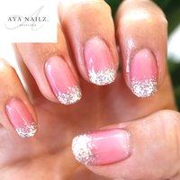Daily nail designs.💅✨  小技の効いた、ベーシックカラーネイルシリーズ。 ・ お爪の根元は伸びた時に目立たないように少しだけグラデーション仕上げ。 ・ シンプル大人ネイルもたくさん揃えております♪  #nails #nail #naildesigns #nailsofinstagram #gelnails #ベーシックネイル #大人ネイル #fashion #fashionnails #beautynails #ayanailz #オールシーズン #グラデーション #ラメ #ワンカラー #ピンク #シルバー #ジェル #お客様 #AYA #ネイルブック