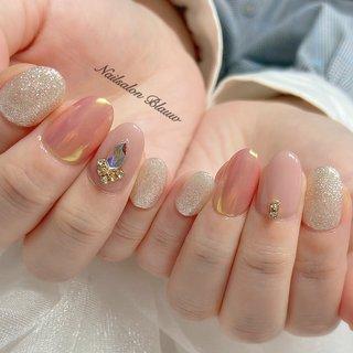 韓国から取り寄せたピーチパウダーとビジューネイル✨   nailsalon Blauw 11:00~22:00(毎週月曜日・第1.第3第5日曜日定休+不定休) 京王線・東急世田谷線下高井戸駅 徒歩2分 Instagram:@yui_blauw LINEID:blauwnail  #nail#nails#nailsalonblauw#gelnail#gelnails#ネイル#ネイルアート#ジェルネイル#ストーンネイル#フィルイン#キラキラネイル#ニュアンスネイル#大人可愛い#夏カラー#春ネイル#夏ネイル#下高井戸#下高井戸ネイルサロン#明大前#桜上水#指甲#美甲#네일#젤네일#네일아트#스톤네일#스와로브스키#韓国ネイル#うるうるネイル #うるつやネイル #オフィスネイル #シンプルネイル#海ネイル#グラデーション#ミラーネイル#梅雨ネイル#シンプルネイル#ミラーパウダー #夏 #オールシーズン #オフィス #デート #ハンド #シンプル #フレンチ #ラメ #ワンカラー #ビジュー #ミディアム #ホワイト #ベージュ #ピンク #ジェル #NailsalonBlauw #ネイルブック