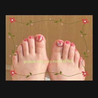 #マイフット#フェザーネイル #旅行 #海 #リゾート #女子会 #フット #ワンカラー #フェザー #ショート #ピンク #カラフル #ジェル #セルフネイル #private nail cozy room RUNA #ネイルブック
