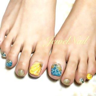 #夏 #海 #リゾート #浴衣 #フット #ラメ #シェル #人魚の鱗 #ショート #イエロー #ブルー #ゴールド #ペディキュア #お客様 #JEWEL SALON total beauty【旧jewel nail】 #ネイルブック