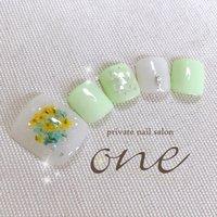 #夏#フット##夏ネイル#ドライフラワー #春 #夏 #フット #シェル #押し花 #ホワイト #グリーン #パステル #private nail salon one #ネイルブック