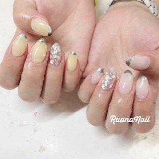↞ ↞お客様nail↠ ↠ . . One color 𓂃 𓇠 𓂅 . . . .shell🐚 . . .  南河内郡太子町山田𓆸 . ☾9:30〜17:00(最終受付15:00) . . ☾NailBook からのご予約OK𖤐𖤐 . . ☾DMからのご予約OK𖤐𖤐 . . ✯ ✮ ✵ ✮ ✷ ☽ ⋆ ꙳ ✰ ★ ✬ ⋆ ꙳ #nail#nails#nailart#NAIL#galnail#winternails#nail#nailstagram#footnail#2020#springnails#summernails#プライベートネイルサロン#自宅サロン#キッズスペースあり#ママネイリスト#ワンカラーネイル#シェルネイル#夏ネイル#個性派ネイル#ネイルサロン#ネイルデザイン#太子町ネイル#南河内#南河内ネイルサロン #富田林ネイル#太子町#河南町#富田林#羽曳野#藤井寺市 #夏 #海 #リゾート #オフィス #ハンド #シンプル #フレンチ #ワンカラー #シェル #ミディアム #ホワイト #イエロー #ジェル #ruananail ルアナネイル #ネイルブック