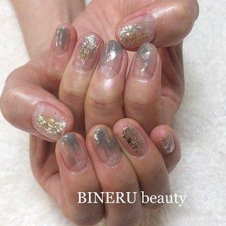 夏ネイル🌻くすみブルーネイル✨ミラーもプラスしてガラスのように綺麗な輝きです✨ #夏ネイル #くすみブルーネイル #ブルーネイル #グレージュネイル #シルバーネイル #ミラーネイル #BINERU beauty #静岡ネイルサロン #BINERU beauty #ネイルブック