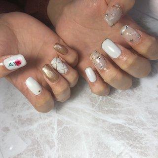 #バラ #バラアート #薔薇 #薔薇アート #ストーン #ストーンアート #ストーンアートネイル #ゴージャス #ゴージャスネイル #ジェルネイル #ハンドネイル #春ネイル #夏ネイル #ハンド #ホワイト #クリア #ゴールド #ジェル #お客様 #Milky ~Nail & Beauty Salon~ #ネイルブック