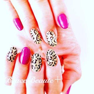 レオパード◆ネイル   Thankyou ! . -------- ------------- -. #leopard  #gold  #nails  #お洒落なお客様  #いつもありがとうございます  #色で魅せる  #オリジナルネイル  #extensionnail  #gelnail #naildesign  #jna1111ネイルの日2020年6月 #ネイルケアが得意なサロン #身だしなみネイル #メンズネイルケアサロン #桑名市  #駅近ネイルサロン  #徒歩5分 #癒し空間 #ブレスボーテプラス #ネイリスト協会認定サロン  #ネイルスクール桑名 #長島スパーランド #なばなの里  #thankyou #オールシーズン #パーティー #ハンド #ラメ #レオパード #パープル #ゴールド #ジェル #お客様 #BraceBeaute+tomo #ネイルブック