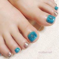 サンプルからお色変更で、ターコイズブルーとミラーがサンダルとお似合いでした♪ #夏 #海 #リゾート #フット #ミラー #mollse nail #ネイルブック