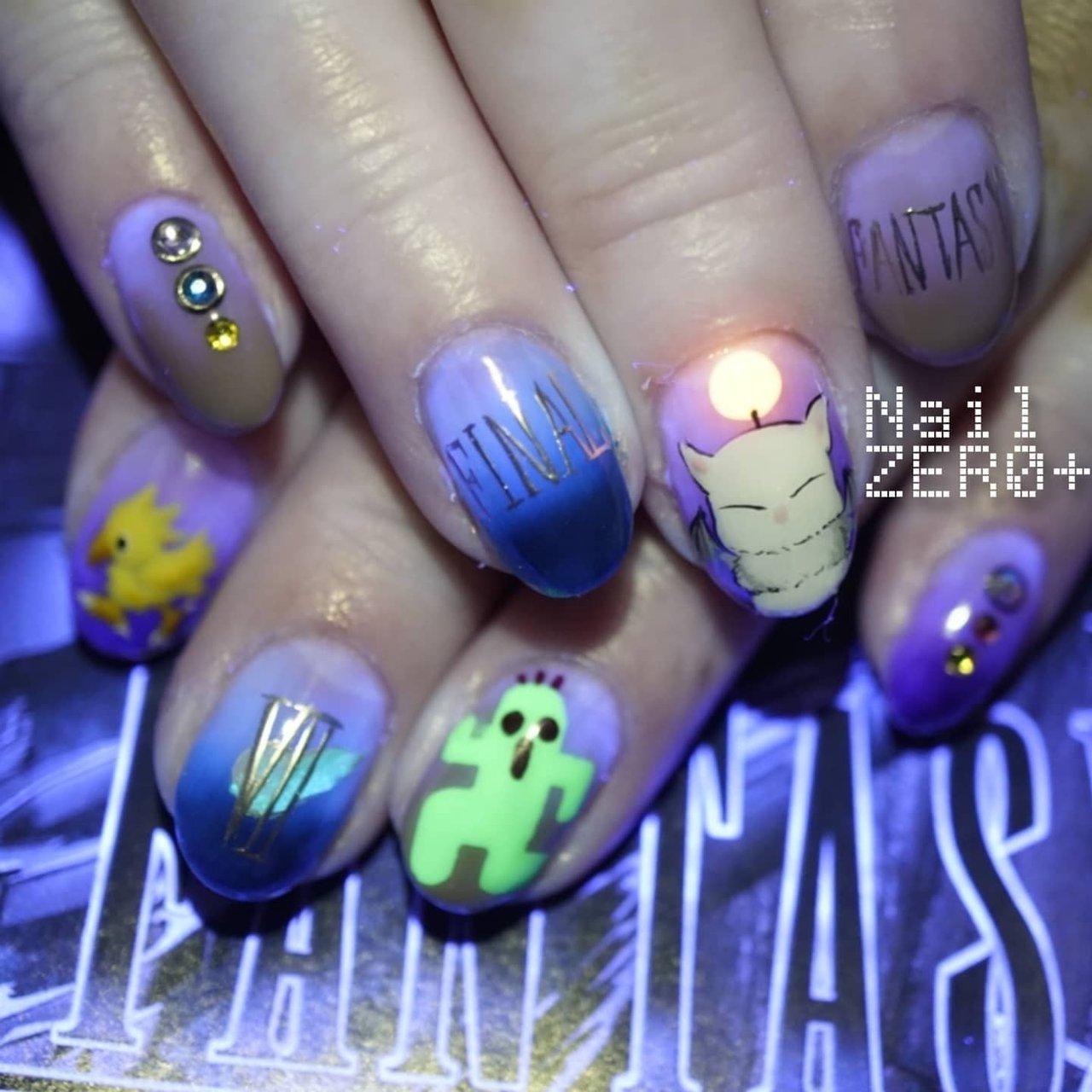FINAL FANTASY Nails FINAL FANTASYを代表するマスコットと7リメイクをプレイ中とのことでⅦのロゴ  #nailzeroplus #ネイルゼロプラス #FINALFANTASY #finalfantasy7remake #チョコボ #chocobo #moogle #cactuar #tonberry #nail #ネイル  #ネイルアート #followme #美甲#美爪  #ikebukuro #mensnailist  #手描きアート #art #sofiragel #東京 #ジェルネイル #池袋 #メンズネイリスト#nailbook #ネイルブック #春ネイル #japanesenails #japannails #ネイリスト募集中 #オールシーズン #女子会 #ハンド #グラデーション #ワンカラー #キャラクター #ミディアム #パープル #カラフル #ジェル #お客様 #塩見隼人 [池袋]ネイルゼロプラス #ネイルブック