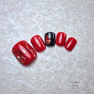 #伝統工芸ネイル #漆ネイル #オールシーズン #お正月 #浴衣 #フット #ビジュー #和 #レッド #ブラック #ジェル #ネイルチップ #classy【クラッシイ】 #ネイルブック
