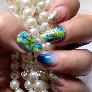 マイネイルチェンジ✨ 今日やっとやっとマイネイルチェンジできました🤗✨ のびのびだったお爪をブルー系で飾ってみました👍✨ のびのびだった髪もバッサリショートにしてサッパリだわぁ〜😊💕 今日は美容dayでした🥰 #夏 #ハンド #グラデーション #フラワー #水色 #ブルー #ゴールド #ジェル #セルフネイル #名古屋市天白区 自宅ネイルサロン eri nail #ネイルブック