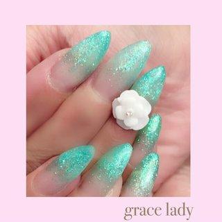 #ラメ #フラワー #3D #グリーン #nailsalon&school grace lady(グレースレディ) #ネイルブック