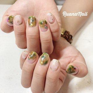↞ ↞お客様nail↠ ↠ . . ¥5,000-定額デザイン𓂃 𓇠 𓂅 . . summer🌴 . . . . .  南河内郡太子町山田𓆸 . ☾9:30〜17:00(最終受付15:00) . . ☾NailBook からのご予約OK𖤐𖤐 . . ☾DMからのご予約OK𖤐𖤐 . . ✯ ✮ ✵ ✮ ✷ ☽ ⋆ ꙳ ✰ ★ ✬ ⋆ ꙳ #nail#nails#nailart#NAIL#galnail#winternails#nail#nailstagram#footnail#2020#springnails#summernails#プライベートネイルサロン#自宅サロン#キッズスペースあり#ママネイリスト#シースルーネイル#タイダイネイル#夏ネイル#ネイルサロン#ネイルデザイン#太子町ネイル#南河内 #南河内ネイルサロン #富田林ネイル#太子町#河南町#富田林#羽曳野#藤井寺市 #夏 #梅雨 #海 #リゾート #ハンド #シェル #タイダイ #ニュアンス #ショート #ホワイト #グリーン #ジェル #ruananail ルアナネイル #ネイルブック