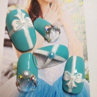 #ティファニーネイル #ティファニー #結婚式 #リボン #ラインアート #Les ongles de Makiko #ネイルブック