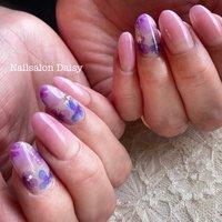 大人気の手描き水彩紫陽花ネイル! #水彩フラワー ならではの とっても繊細なデザインです。 紫陽花ネイルで梅雨を楽しんで下さい! #ハンド #フラワー #パープル #ジェル #お客様 #nailsalondaisy #ネイルブック