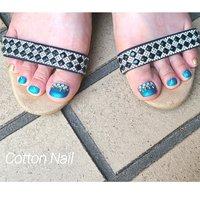 ブルーの夏らしいフットネイル☆  #夏#フット#夏フットネイル#夏ネイル#ブルーネイル#パラジェル #夏 #フット #ミディアム #水色 #ブルー #ゴールド #ジェル #お客様 #Cotton-Nail #ネイルブック