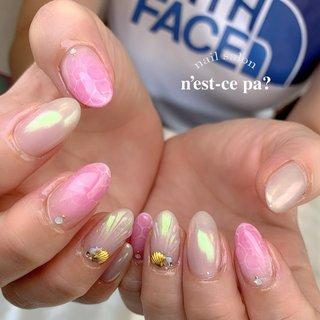 ブルーだと海っぽくなるデザインをあえてピンクで✨  気分↑間違いなし♡  #nail #nails #naildesign #nailsalon #jelnail #japan #instanail #fashion #nailart #summernails #springnails #ネイル #ネイリスト #ネイルデザイン #ネイルサロン #ジェルネイル #夏ネイル #春ネイル #ネセパネイル #さいたま市ネイルサロン #東浦和ネイルサロン #さいたま市ネイルスクール #東浦和ネイルスクール #夏 #グラデーション #人魚の鱗 #ミラー #ベージュ #ピンク #ジェル #お客様 #ネセパネイル salon&school #ネイルブック