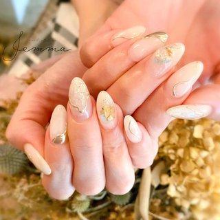 . . -free design- . . . ーーーーー #nailatelierjemma #jemma #nails #nuancenail #natural #beauty  #大阪 #堀江 #北堀江ネイルサロン #北堀江ネイル #プライベートサロン #ニュアンスネイル #大人ニュアンス #透け感ネイル #くすみネイル #夏ネイル #ホワイトネイル #ミラーネイル #透明感 #透け感 #トレンドネイル #セルフネイル #大理石ネイル #大人上品ネイル #ネイルサロン開業 #夏 #オフィス #ブライダル #女子会 #ハンド #ワンカラー #シェル #シースルー #ニュアンス #ミラー #ミディアム #ホワイト #ゴールド #ジェル #お客様 #satomi #ネイルブック