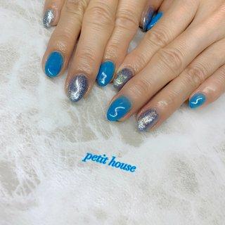 夏に向けてブルー系💅 ブルーのラメが可愛い💕  #お客様ネイル#ワンカラー #ブルー#夏 #夏2020#福岡ネイル#福岡市ネイルサロン #福岡市城南区ネイルサロン#プチハウス #夏 #ハンド #ラメ #ワンカラー #ショート #ブルー #ジェル #お客様 #petit house プチハウス #ネイルブック