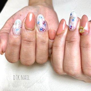 もうすぐお店をオープンされるお客様😊  熱意とやる気がお話ししてて伝わります!  ありがとうございました♩  ・ ・ ・ ネイルブックから空き状況確認と予約ができます✧ ˖゚ プロフィールのリンクからはいれます☝︎ ・ ・ ・ 公式LINE《@047ifwmi》からもご予約できます♡ ✧@から入れて検索してください✧ ・ ・ ・ #dtknail#dtk#flowernail#nailart#naildesign#gelnail#handpaintednail#dryflowernail#handmade#handmadeaccessory#summernail#instanail#instagood#japannail#ネイル#ネイルアート#フラワーネイル#ボタニカルネイル#フットネイル#ハンドメイド#ハンドメイドアクセサリー#おしゃれ#手描きアート#大人女子ネイル#久留米ネイルサロン#久留米#宮ノ陣#夏ネイル#大人かわいい #オールシーズン #梅雨 #七夕 #海 #ハンド #フラワー #チェーン #ミディアム #ベージュ #ピンク #ブルー #ジェル #お客様 #YUKIKO ISHIBASHI #ネイルブック