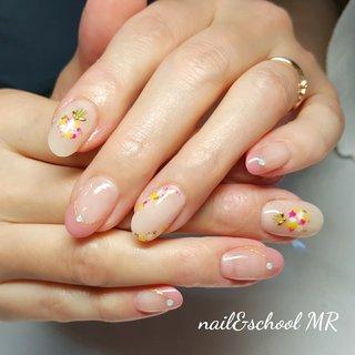 お客様ネイル☆担当 じゅんじゅん いつもありがとうございます♪ 当店ではフィルイン技術でお爪と皮膚の 健康のために、基本溶剤を使用したオフは しておりません。   ♡ Instagram nailsalon_mr  ♡ ホームページ  www.nailsalon-mr.com/   ♡アメブロ https://ameblo.jp/mr201029  #ネイルサロン #ネイルスクール #JNAジェルネイル検定対策 #JNECネイリスト検定対策 #JNA本部認定講師#マニキュレーションインストラクター#ココイストダイヤモンドマスターエデュケーター#スパルーチェエデュケーター#GROWN CARE スーパーバイザー#ココイスト #kokoist #フィルイン#一層残し #JNA認定サロン#kokoistcertifiedsalon #kokoist_認定サロン #ハーバリウムレッスン #JHAハーバリウム協会認定校 #JHAハーバリウム認定講師#ハーバリウムデザイナー#リフレクソロジー#フットセラピスト#リフレクソロジー  #お客様ネイル #大人可愛い #大人ネイル #ありがとう♡感謝 #加古川 #明石 #姫路  ♡♡♡♡♡♡ 営業日 ♡♡♡♡♡♡  月曜〜土曜 (祝日も営業) 10:00~21:00 要予約 (最終入店19:00) 日曜日定休   お電話でのご予約お待ちしております TEL 079-441-8257 #ハンド #フレンチ #フラワー #押し花 #ベージュ #ピンク #ジェル #お客様 #nail&school MR #ネイルブック