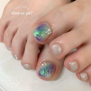 今は、お久しぶりのお客様に会える嬉しい時期♡  素足だとキラキラだけど、ストッキング履いちゃえば目立たないオフィス向け😊  #nail #nails #naildesign #nailsalon #jelnail #japan #instanail #fashion #nailart #summernails #springnails #ネイル #ネイリスト #ネイルデザイン #ネイルサロン #ジェルネイル #夏ネイル #春ネイル #ネセパネイル #さいたま市ネイルサロン #東浦和ネイルサロン #さいたま市ネイルスクール #東浦和ネイルスクール #フットネイル #夏 #フット #ラメ #人魚の鱗 #ミラー #クリア #ターコイズ #パープル #ジェル #お客様 #ネセパネイル salon&school #ネイルブック