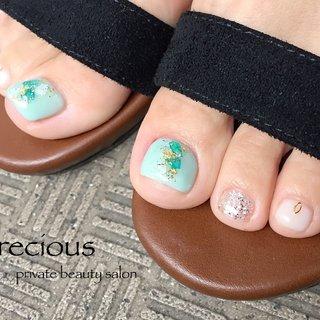 . . summer𓇼footnails👣 . . . shel𓇼でキッラキラ (*ˊ˘ˋ*)。♪:*°☽・:* . . . Precious 048-915-5205 . #Precious#privatebeautysaron#越谷ネイルPrecious#定額制#ネイルサロン#越谷#新越谷Precious#夏フット#フットネイル2020shelnails#foot nails#summer foot#koshigaya#saitama#nail#NAIL#cute#follow me#follow#japan nails #Precious 〜プレシャス〜 #ネイルブック
