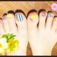#Nailbook #夏 #フット #フラワー #ショート #カラフル #Yuri Shiroyama #ネイルブック