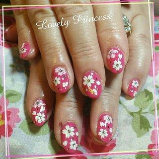 今期初の桜ネイルが出ました♡ ビビットのピンクのワンカラーに、白やピンクの桜のアートを致しました🌸 とても映えてかわいかったです(・∀・)!! #ネイル #ジェルネイル #桜ネイル #ワンカラーネイル #春ネイル #春ネイル2017 #さくらネイル #サクラネイル #ピンクネイル #ビビットピンクネイル #春 #卒業式 #入学式 #ハンド #ワンカラー #フラワー #ミディアム #ピンク #ビビッド #ジェル #お客様 #xAimix #ネイルブック