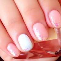 ピンク × ラメグラデ × ホロ ホワイト × ラメグラデ × ホロ #ハンド #ラメ #ピンク #ジェル #セルフネイル #YYocchiiii #ネイルブック