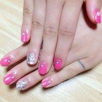 ピンク × ストーン埋めつくし #デート #ハンド #ワンカラー #ピンク #ジェル #セルフネイル #YYocchiiii #ネイルブック