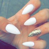 Acrylic claw nails #ハンド #ホワイト #MarieDrs #ネイルブック