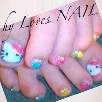 カラフルなラメの全塗りベースにキティちゃんの3DをON‼︎ #夏 #フット #キャラクター #カラフル #ジェル #お客様 #hyLovesNAIL #ネイルブック
