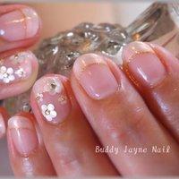 パールがかったシェルホワイト✨ 光の加減でピンクにも輝きます  千葉駅 バディジェーン #オフィス #ハンド #フレンチ #ピンク #ジェル #お客様 #buddy_jayne #ネイルブック