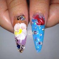金魚、花は、エンボス 親指  #夏 #ハンド #マリン #カラフル #スカルプチュア #Yukie Sugimoto #ネイルブック