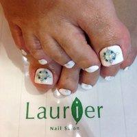 ご予約お待ちしております♡ 07064769266 laurier-nail.com #夏 #フット #ワンカラー #ホワイト #ジェル #お客様 #laurier #ネイルブック