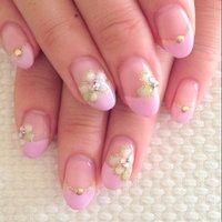 ストロベリームースフレンチと、お花アート♪ #ハンド #フレンチ #ピンク #kastanieberg #ネイルブック