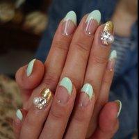 Mint green with jewel. #フレンチ #グリーン #Mai #ネイルブック