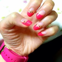 夏先取りだぜー! 蛍光ピンク☆星のスタッズもかあいい!時計とおソロ(^-^) #夏 #ハンド #変形フレンチ #ピンク #ジェル #ayukapin #ネイルブック