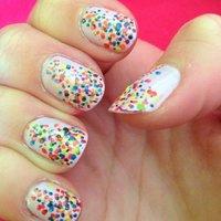 Confettis!! #ハンド #カラフル #セルフネイル #NailLudiMacarons #ネイルブック