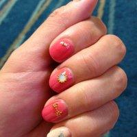 サーモンピンクにストーンで。 #ピンク #mayun527 #ネイルブック