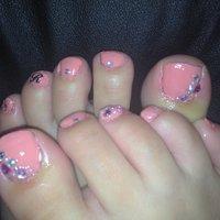 バースデーで頂いたピンクマニキュアで初ネイル!ストーンシールとイニシャルシール使ったよ♪ #デート #フット #ピンク #マニキュア #セルフネイル #FlbSy #ネイルブック